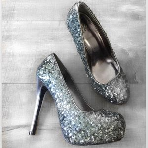 D silver sequined heels size 6